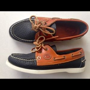 Dooney and Bourke boat shoes