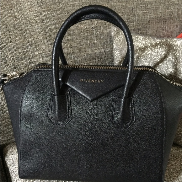 Authentic black matte Givenchy Antigona 223031ef60b49