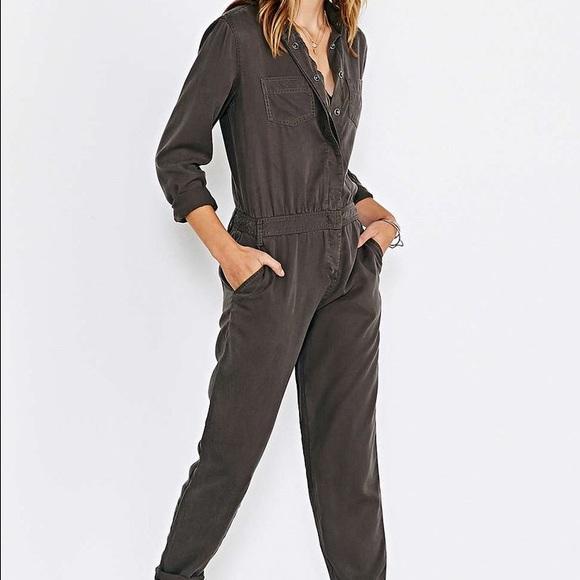 07e9da4c8113 Urban Outfitters BDG Green Metro Workwear Jumpsuit.  M 571150602fd0b7685700a7f1