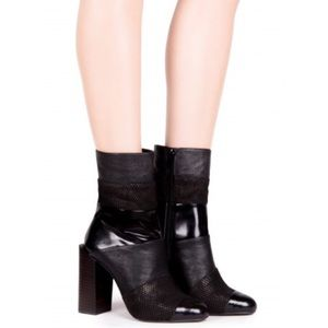 Host Pick Jeffrey Campbell Pezzi black boots