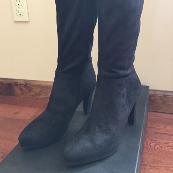 62 tahari shoes s black suede boots from