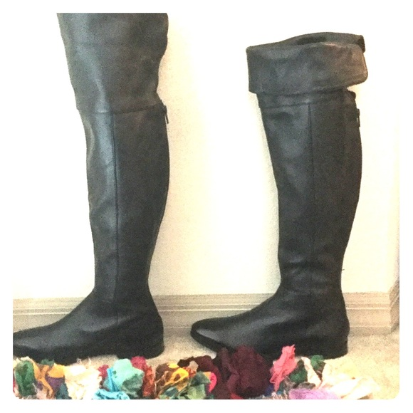 78c48b2539f73 SEYCHELLES GRAFTON OVER THE KNEE BLK LEATHER BOOT.  M 57116cca6d64bc434d01f7f1