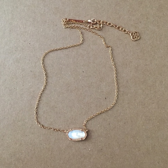 a4663a01837ec Elisa Gold Pendant Necklace in Ivory Pearl
