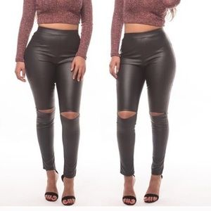 Pants - Plus size faux leather ripped pant
