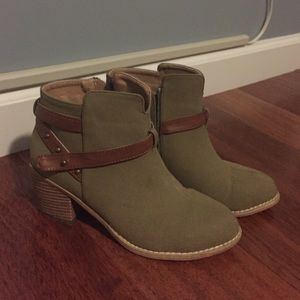 Michael Antonio olive green booties. Size 7.