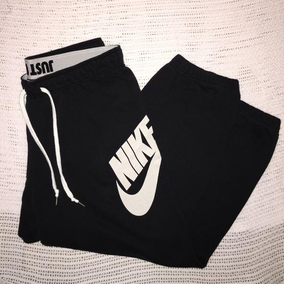 bf786609e19a Nike rally loose black sweatpants. M 5711c048bf6df5937d02a187
