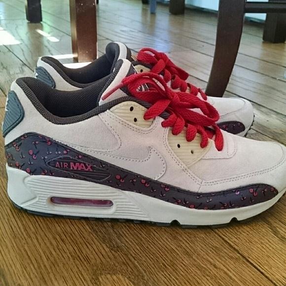 online store d6449 a7e87 NWOT RARE Nike Air Max 90 Cherries. M 571234e599086a70dc03173b