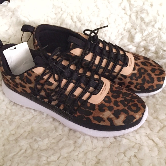 a1069ad7940 H M Leopard Animal Print Sneakers