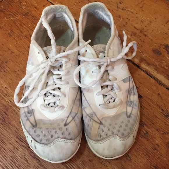 Nfinity Cheer Shoes Used