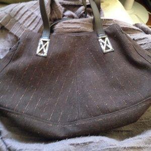 Longchamp Handbags - 🎉HP🎉 Rare Longchamp shoulder bag