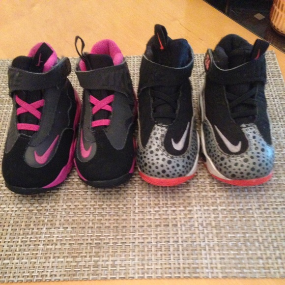 Lot of 2 Nike 24 Girls size 7 (pink) & 8 (grey)