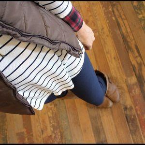 Pants - Navy soft knit leggings