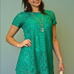 Tops - Green crochet tunic with built in lining