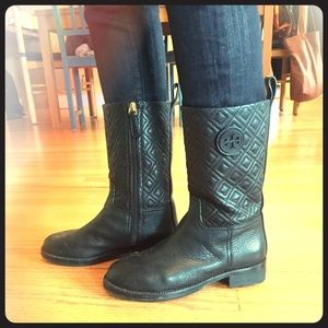bd5bc1e885ad Tory Burch Shoes - Tory Burch mid-calf boots!