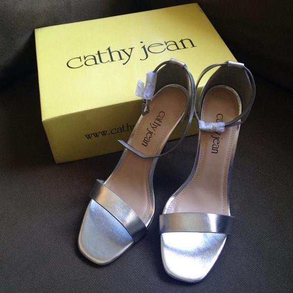 Cathy Jean Shoes - 🎉 SALE! Silver Strappy Heels for PROM