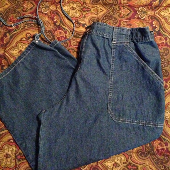Bobbie Brooks - Lightweight Denim Capris Plus from Julie's closet ...