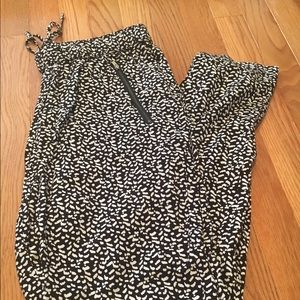 GAP black and white pants, NWT, size small