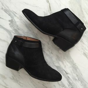 Madewell Shoes - madewell black charley collar-stud boot - size 8