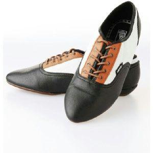 9b127af1c8 Vans Shoes - SALE! Vans Sophie Oxfords