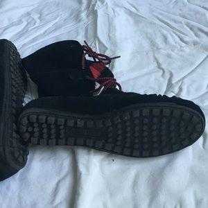 Minnetonka Shoes - Minnetonka booties