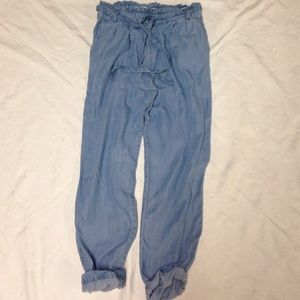 Abercrombie & Fitch Pants - Abercrombie & Fitch High Waist Tie jeans