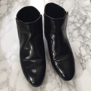 Zara patent ankle boots w/ gold trim in size 36
