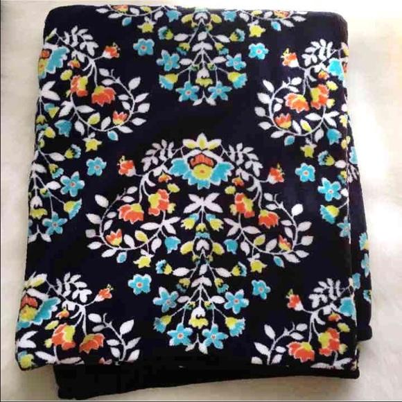 Vera Bradley Accessories - NWOT Chandelier Floral Fleece Throw Blanket
