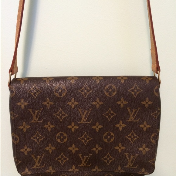 42e25a720777 Louis Vuitton Handbags - Louis Vuitton Monogram Musette Tango w  long strap