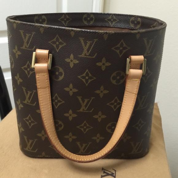 bf45ad8b019a Louis Vuitton Handbags - Louis Vuitton Monogram Vavin PM