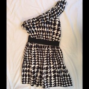 One Shoulder black and white dress