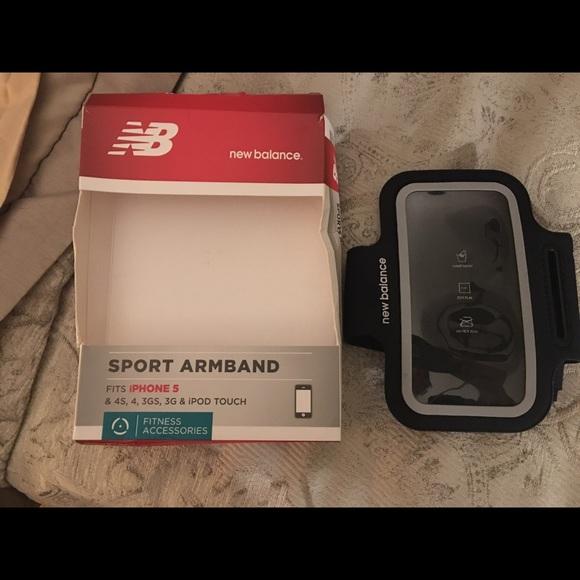 new balance armband
