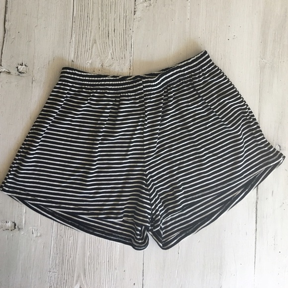 70% off April Spirit Pants - Striped Shorts...loose and flowy ...