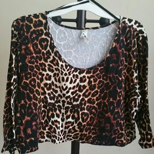 Tops - Plus size Leopard crop top