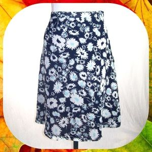 Jaclyn Smith Dresses & Skirts - Navy Blue Floral Chiffon Overlay Skirt Size 12 / L