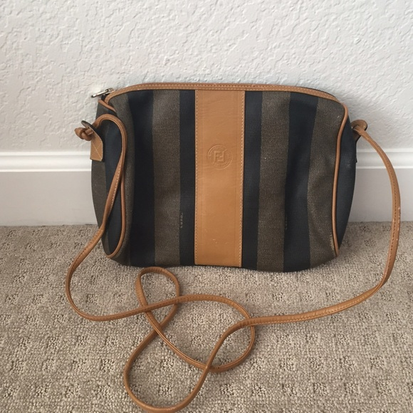 FENDI Handbags - Fendi crossbody purse