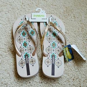 Ipanema  Shoes - NWT Ipanema Thong Sandals