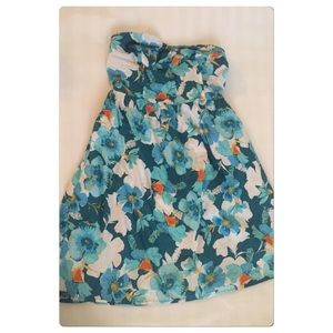 Dresses & Skirts - Blue floral Dress