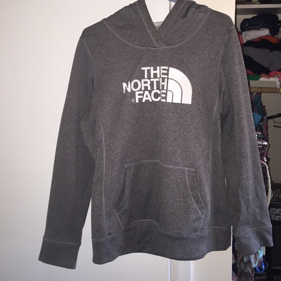 56 off the north face jackets blazers north face pull over from erin 39 s closet on poshmark. Black Bedroom Furniture Sets. Home Design Ideas