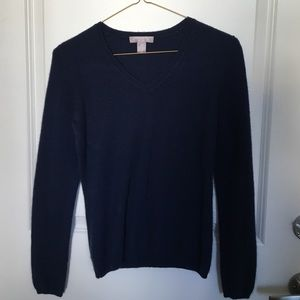 Navy cashmere v neck sweater