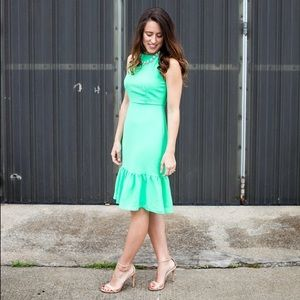 Dresses & Skirts - Green, ruffle hem party dress!
