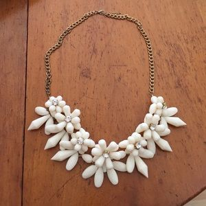 Ivory / white flower rhinestone statement necklace