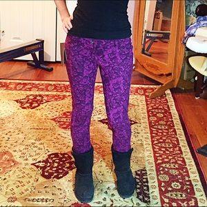Mudd Pants - New purple jeggings with rose patterns