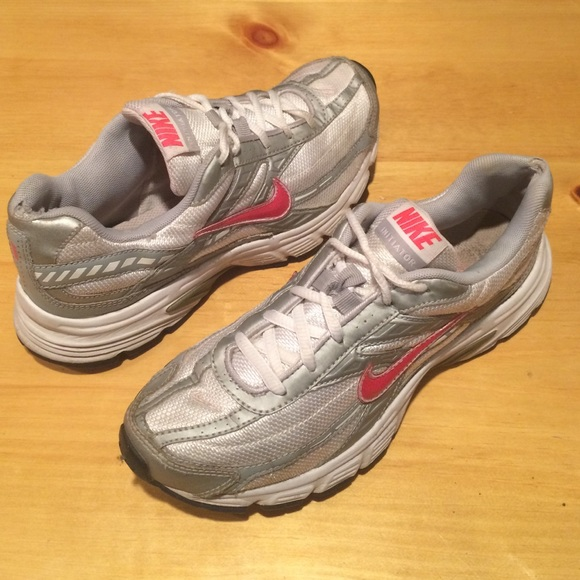 617124b23ab9 Women s size 7 Nike Initiator Pink   Silver Shoes.  M 57142d426a5830072a0623a5