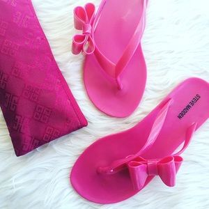 • Steve Madden • Jelly Sandals