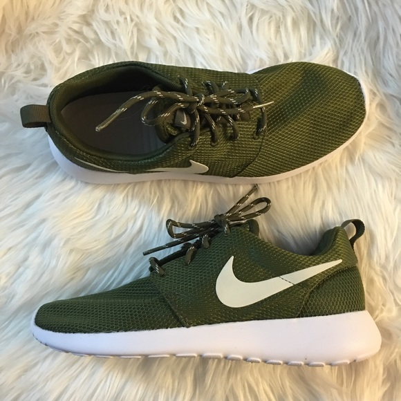 more photos 8580d 78672 Women's Nike Roshe Olive Mesh NWT