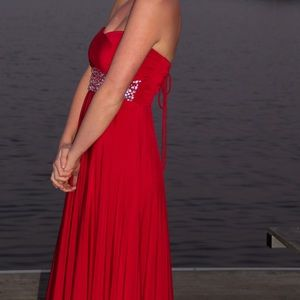Dresses & Skirts - SUPER DISCOUNTED new red prom dress