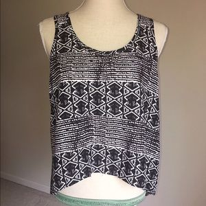 Tops - Beautiful Black and White Tank