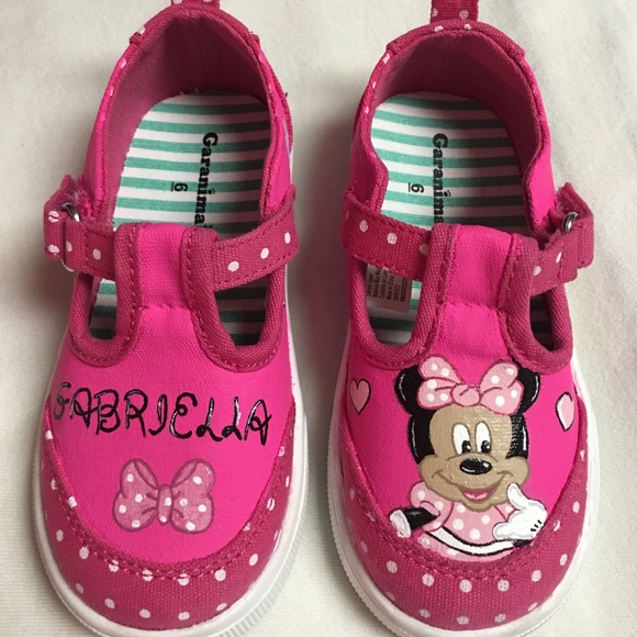56ee7e4fcc99d Minnie Mouse hand painted shoes NWT