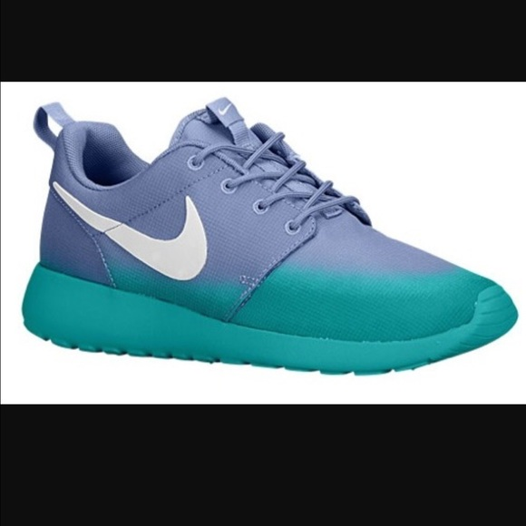 buy popular 32a52 f3fa1 Teal Grey Ombre Nike Roshe Run Size 9. M 571479907f0a05648306d193