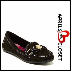 Tommy Hilfiger Shoes - ❗️1-HOUR SALE❗️Tommy Hilfiger Black Ballet Flats